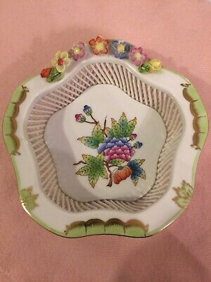 HEREND Queen Victoria MULTI COLOR   5 sided Hand Painted LATTICE WEAVE Dish 7385