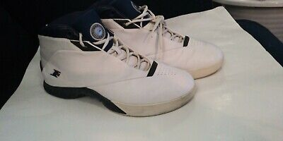 64f18f89d620 Reebok I3 Men s Answer Allen Iverson Basketball Shoes SZ 12 White 4-99655  Philly
