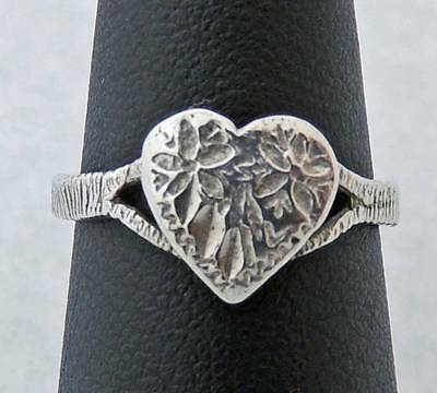 CUTE YOUNG LADIES Sterling Silver FLOWER HEART RING size 6.5