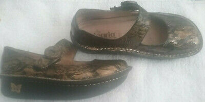 0f23abb8a34c Alegria by PG Lite Women s Mary Jane Shoes Bronze Black Shimmer Floral Size  35 5