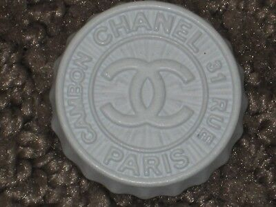 Chanel White  Metal Cc Logo Front   Button  24 Mm / Over 1 '' New