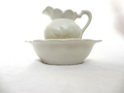 ACCESSORY BARBIE DOLL SIZE MINIATURE WHITE CERAMIC PITCHER AND BOWL  747