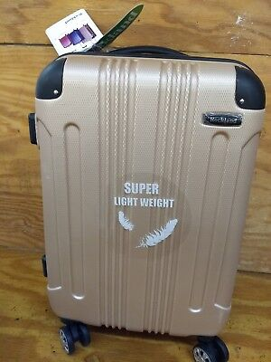 """Rockland Hard 20"""" Spinner Luggage, Champagne"""
