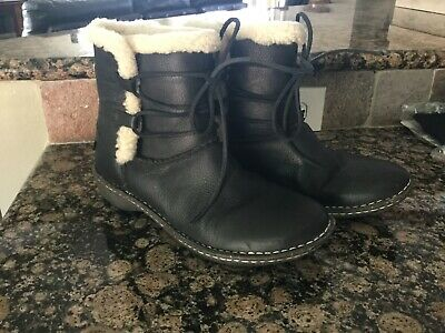 bbcaa101a5a UGG WOMEN'S CASPIA Boot Black Leather Laced Ankle boots Size 6(US ...