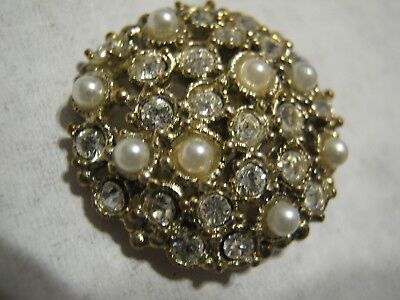 Chanel  Pearls Gold (No Cc Logo)  Auth  Button 22  Mm / 1''