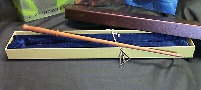 Harry Potter - Molly Weasley Wand w/ FREE Deathly Hallow Necklace