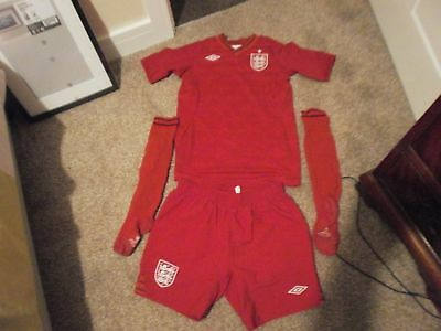 0d49c93fa1c Boys Umbro ENGLAND red football kit size LB APPROX age 11-12 FREE POSTAGE