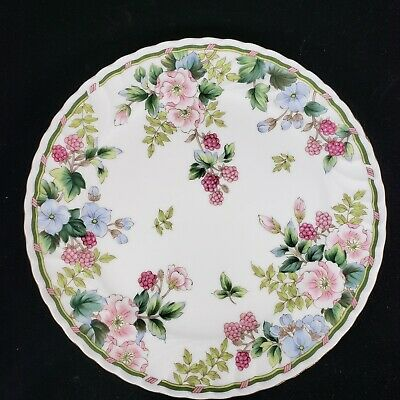 """Exceed Bon Grand Berry cake serving plate Pattern Flowers and Berries 10 3/4"""""""