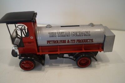 Ertl 1910 Mack Texaco Tanker Oil 1:24 Scale Diecast The Texas Company Coin Bank