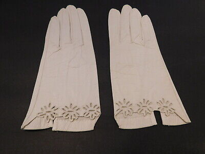 *Designer Ladies Cream Leather  Gloves W/ Flower Cutouts Unlined Size 6.5