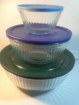 Pyrex 3-piece Sculpted Glass Mixing Bowl Set with Colorful Lids