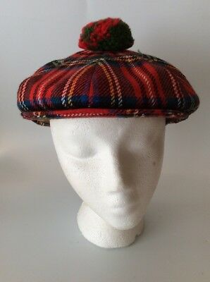 VTG - Scottish Wardrobe Cap - Dunn & Co. Great Britian - Plaid Size 7 1/8
