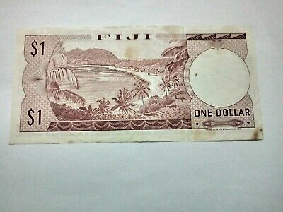 Fiji 1 Dollar Bank Note With B/ 1013955 Prefix & Portrait Of Queen Elizabeth 2.
