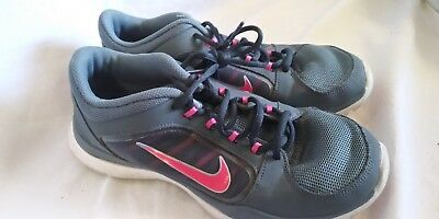 db265c98b27ab NIKE FLEX TRAINER SNEAKERS WOMEN SHOES GREY PINK 643083-404 Size 8