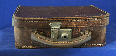 VINTAGE 1920s? SMALL LEATHER? VANITY? CASE LOCK & KEY FABRIC LINED