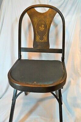Louis Rastetter & Sons Co. Solid Kumfort Folding Chair Early 20th Century