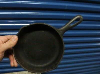 """Vintage Wagner Cast Iron Skillet 8 1/2"""" Camping Cooking Tool With Handle"""