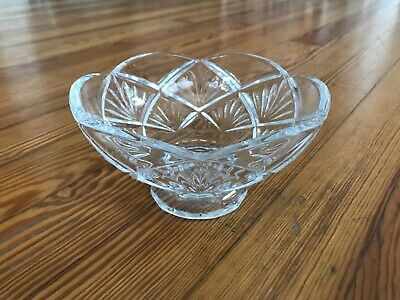 """Waterford Crystal Evie Scalloped Edge Fan & Wedge Cut Footed Bowl - 6"""" Diameter"""