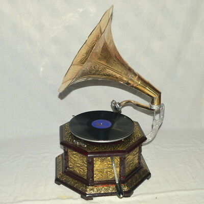 Shapely Fully Working Octagonal Gramophone With Brass Crafted Base And Horn