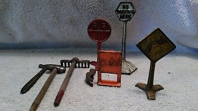 1937 Cast iron Arcade Road Construction Set: RR crossing etc....... And tools