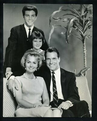 1963 DONNA REED & CARL BETZ In THE DONNA REED SHOW Vintage Original Photo gp