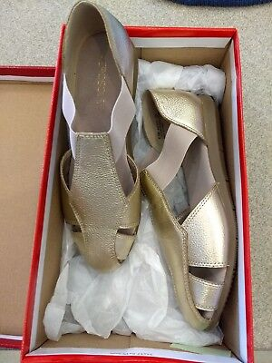 9d5df27f96bba6 AEROSOLES  Believe  Women s Size US 6.5 M Gold Leather Fisherman Sandals  REDUCED