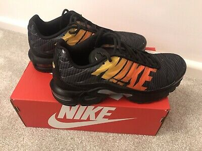 BOYS NIKE AIR Max TN Black Trainers Size UK 13.5 Great