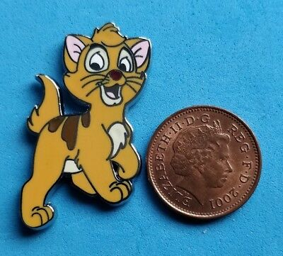 .Disney trade pin OLIVER CAT FROM OLIVER & COMPANY (I COMBINE THE P&P)1