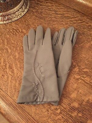 VINTAGE LADIES GLOVES GREY LEATHER LOOK LINED SIZE Small To Medium Retro 1950/60
