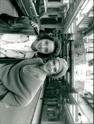 Charlotte Coleman as Freddie  l  with Anne Bancroft as Maxine in 'Freddie and Ma