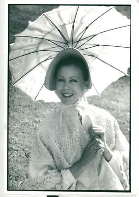 Actress Jenny Agutter dressed as Queen Victoria - Vintage photo
