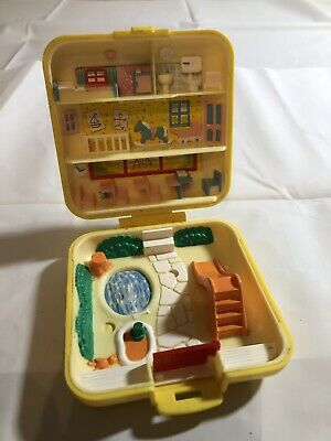 1989 Vintage Polly Pocket Square Compact Midges Play School. Compact Only.