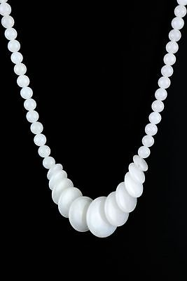 Collect China Natural White Hand Jade Carve Delicate Noble Girl Decor Necklace