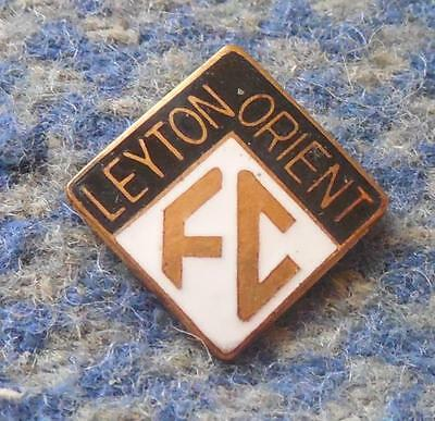 LEYTON ORIENT FC FOOTBALL 1970's  ENAMEL PIN BADGE