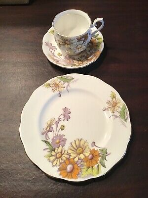 "Beautiful Royal Albert ""daisy"" Flower Of The Month"" Salad Plate"