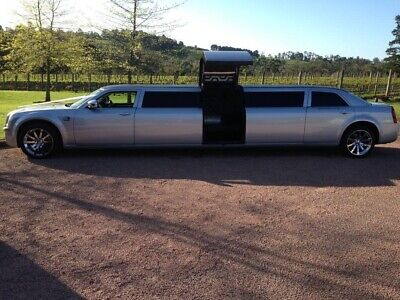 Limousine stretch WEDDING HIRE MEL VIC Formals hens night winery 12 passenger