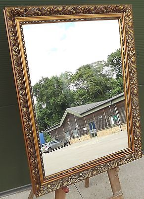 Decorative Gilt-Framed Rectangular Wall Mirror Antique Style (71cm x 56cm)