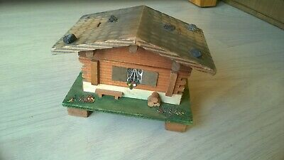 Vintage Traditional Wood/Wooden Souvenir SWISS CHALET Wind-Up Musical/Music Box