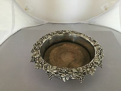 Nice Silver Plated Wine Slide Decorated With Grapes And Vines
