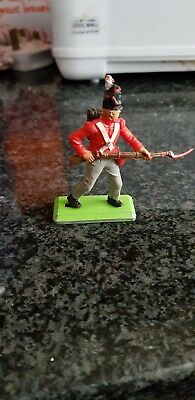 BRITAINS DEETAIL WATERLOO BRITISH INFANTRYMAN...Cat-no 7940