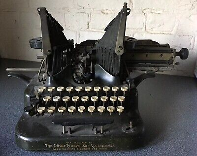 ANTIQUE Batwing THE OLIVER STANDARD TYPEWRITER No 5 VINTAGE