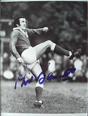 Phil Bennett – 1975 Llanelli & Wales Rugby Union Autographed B & W Photograph