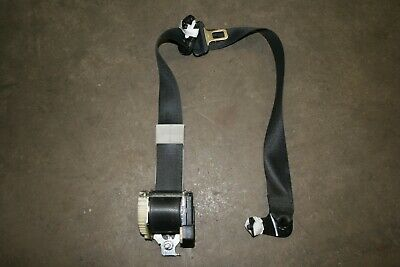 Vauxhall Astra G 5 door OSF driver side front seatbelt.