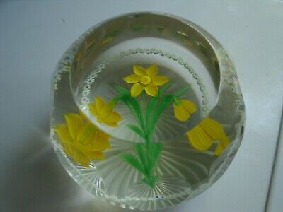 WHITEFRIARS/ CAITHNESS   Paperweight   NARCISSUS LTD. ED. 39/100