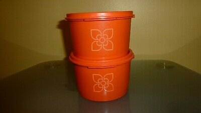 Lot Tupperware small harvest containers with lid orange