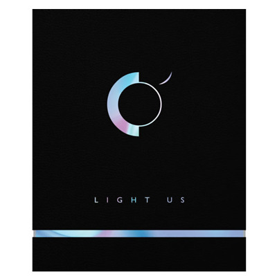 "K-POP ONEUS 1st Mini Album "" LIGHT US "" Official - 1 Photobook + 1 CD"