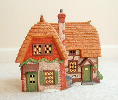 Cobb Cottage Dept 56 Dickens Village 58246 Christmas heritage house with Box