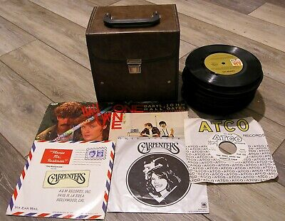 59 45s in NICE Storage Box ~ HALL & OATES, ABBA, CARPENTERS, SONNY & CHER