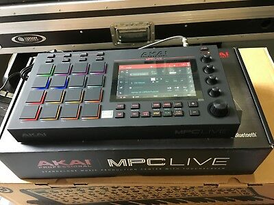AKAI PROFESSIONAL MPC Touch Music Production Station with 7