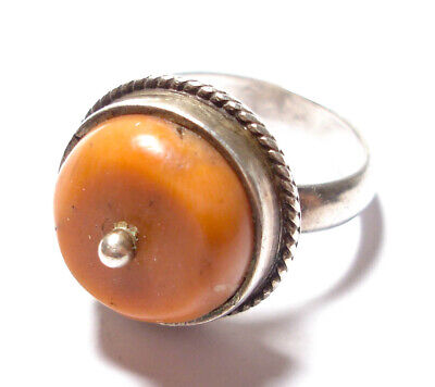 Beautiful Vintage Or Antique Silver & Coral Ring